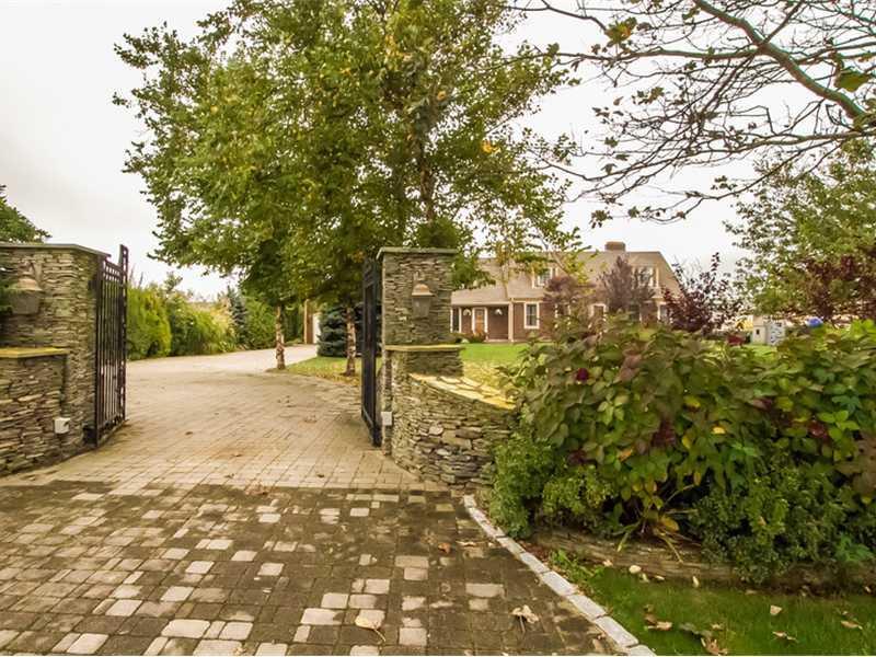 40 Castle Hill Avenue, Newport