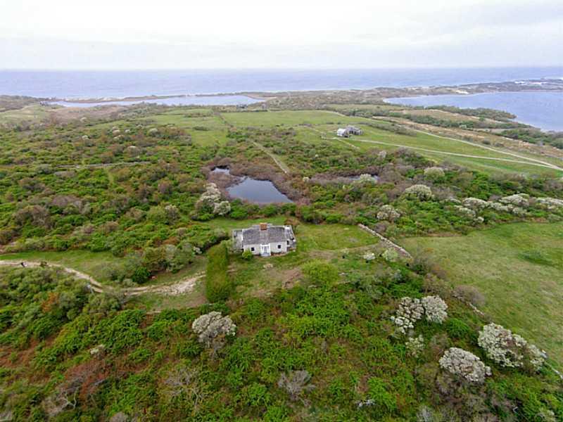 Additional photo for property listing at 1033 Corn Neck Rd, Block Island Rhode Island  Block Island, Rhode Island,02807 United States