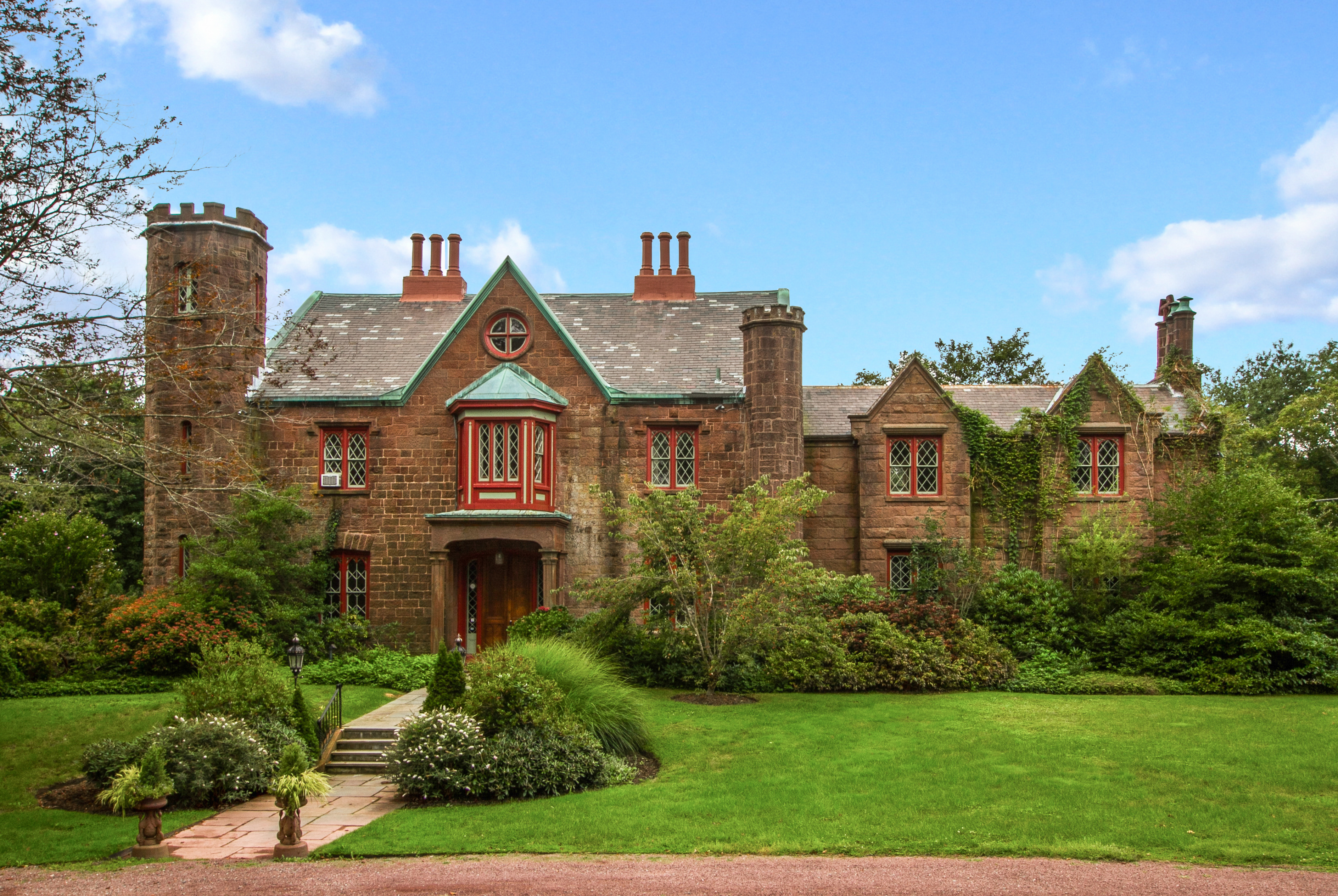 Lila Delman Real Estate Announces Significant Sale of Malbone in Newport, Rhode Island