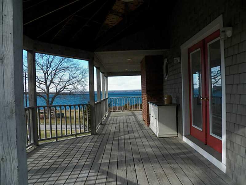 290 Seaside Drive, Jamestown