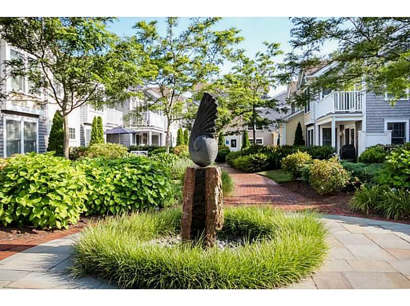 20 Narragansett Avenue  1003, Narragansett