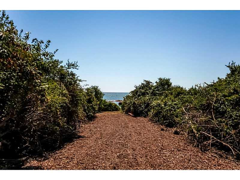 Additional photo for property listing at 10 - LOT 10 CLIFF DR, Narragansett, Rhode Island  Narragansett, Rhode Island,02882 United States