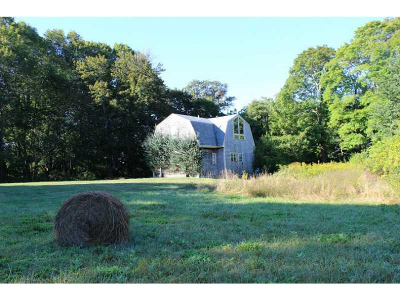 Additional photo for property listing at 575 Nanaquaket Rd, Tiverton Rhode Island  Tiverton, Rhode Island,02878 Estados Unidos