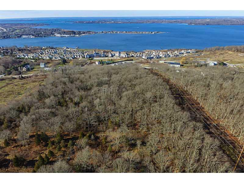 Additional photo for property listing at 1000 MAIN RD , Tiverton, Rhode Island  Tiverton, Rhode Island,02878 Verenigde Staten