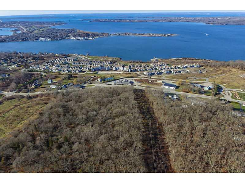 Additional photo for property listing at 1000 MAIN RD , Tiverton, Rhode Island  Tiverton, Rhode Island,02878 Estados Unidos