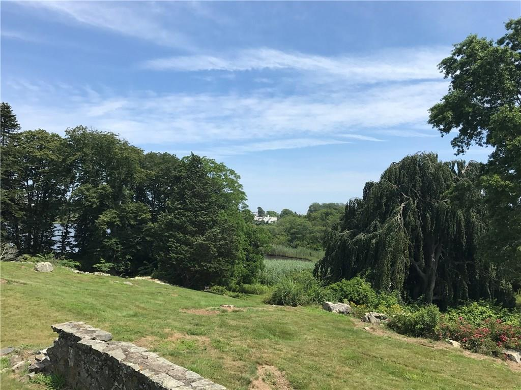 Additional photo for property listing at 90 Brenton RD, Newport, Rhode Island  Newport, Rhode Island,02840 Estados Unidos