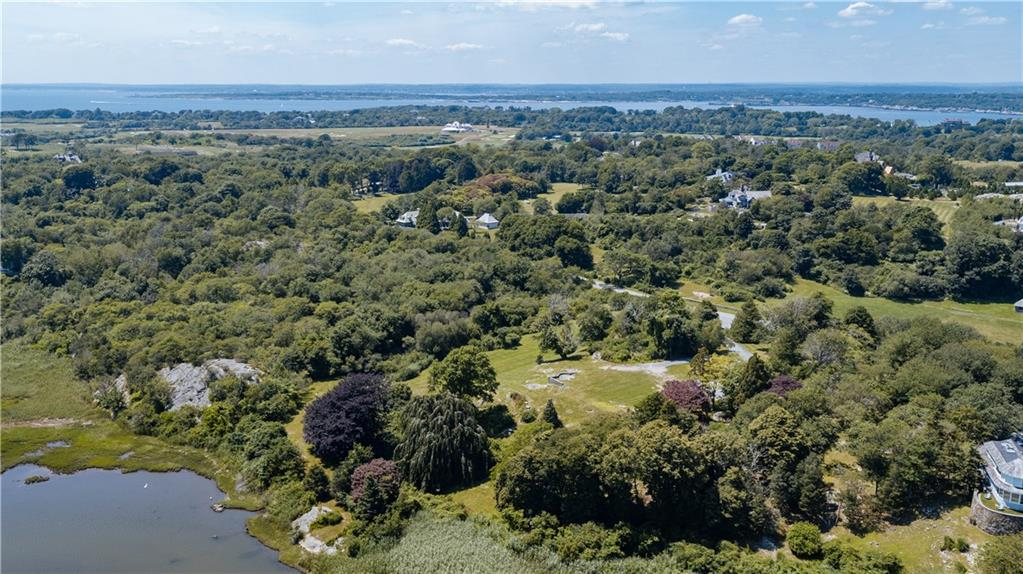 Additional photo for property listing at 90 Brenton RD, Newport, Rhode Island  Newport, Ροουντ Αϊλαντ,02840 Ηνωμενεσ Πολιτειεσ