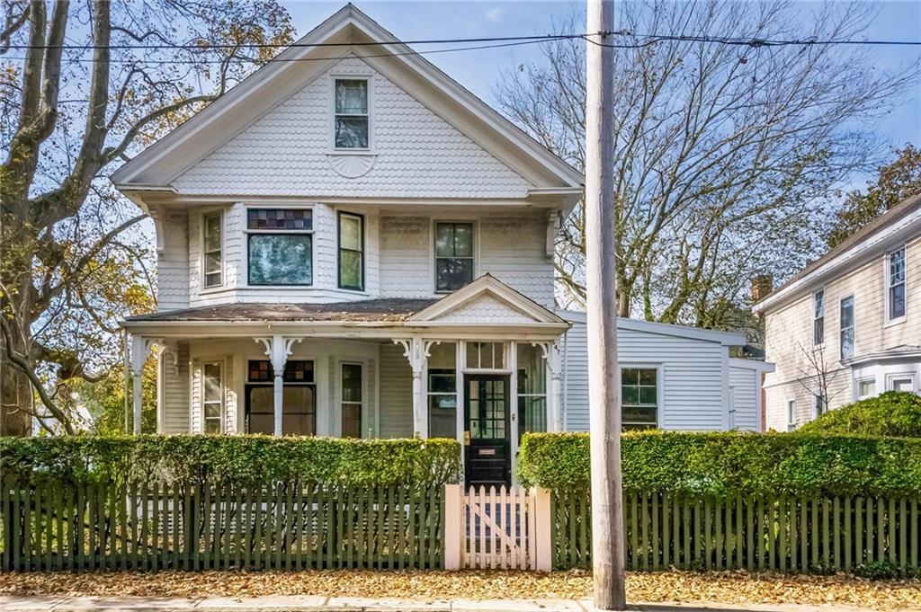 547 Spring Street, Newport