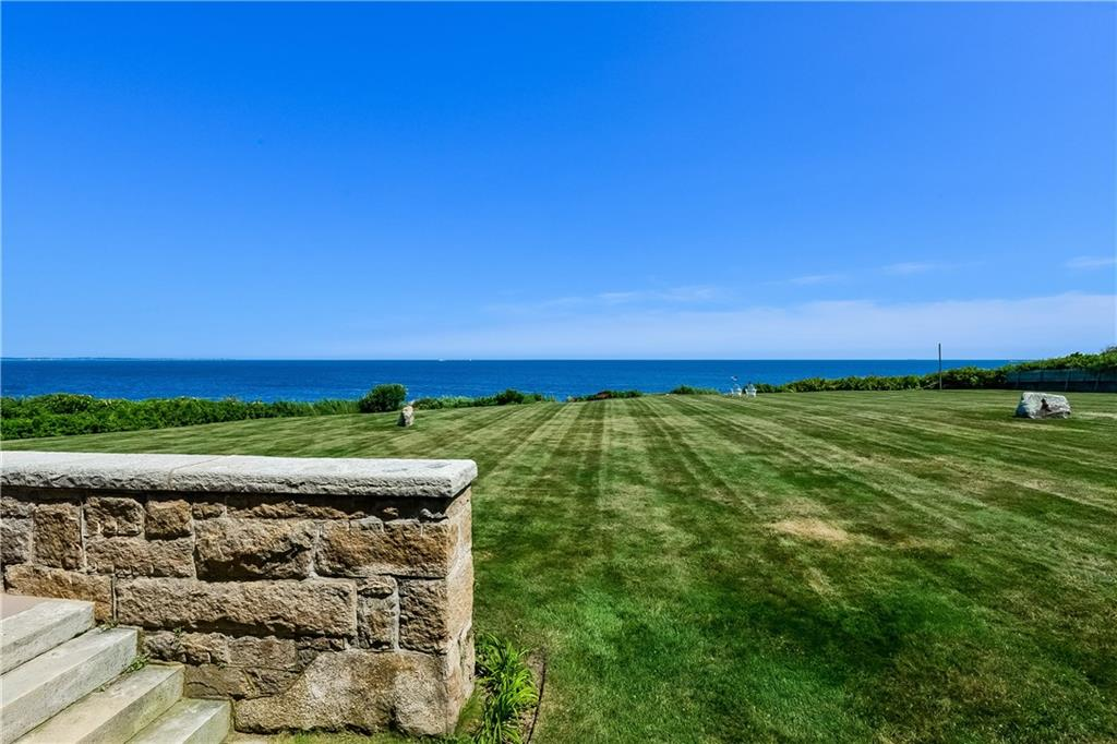 Additional photo for property listing at 40 Newton AV, Narragansett, Rhode Island  Narragansett, Rhode Island,02882 Estados Unidos