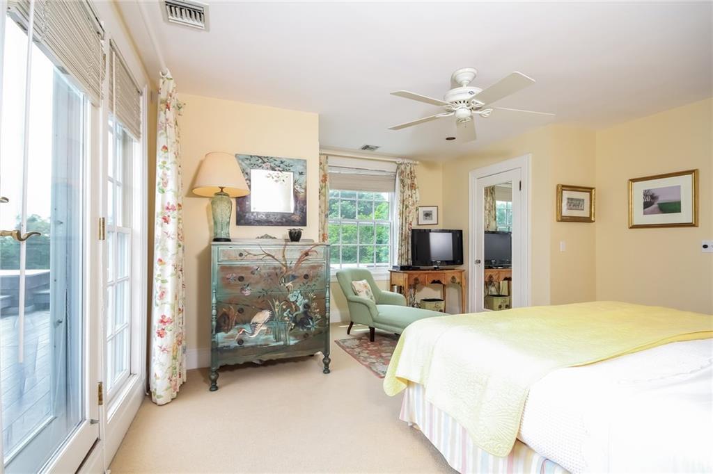 165 Boston Neck Road, Narragansett