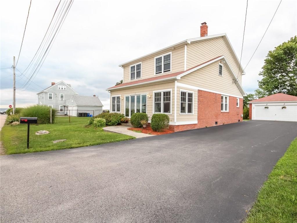 10 Continental Road, Narragansett