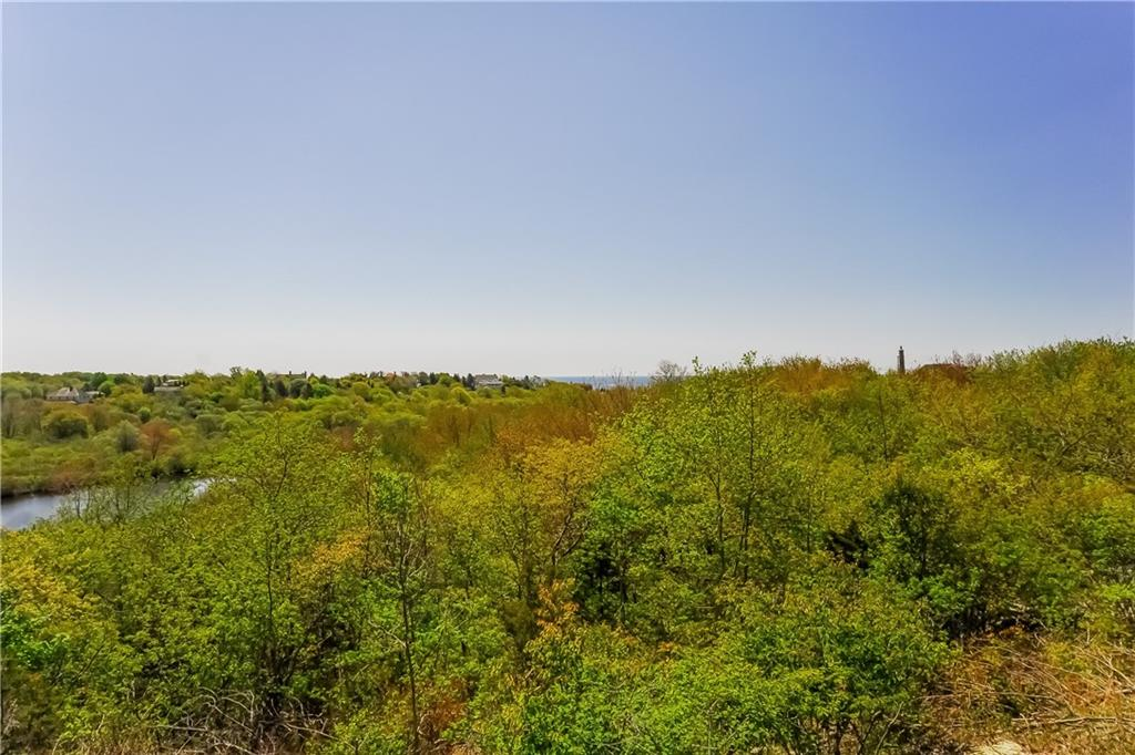Additional photo for property listing at 50 BRENTON RD, Newport, Rhode Island  Newport, Rhode Island,02840 États-Unis