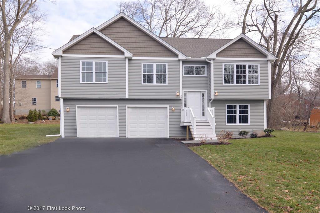33 Pepperbush Trail, Narragansett