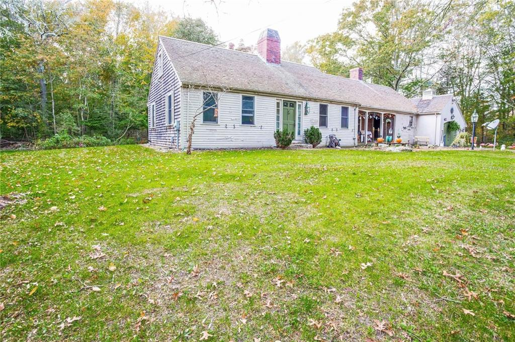 136 Lake Road, Tiverton