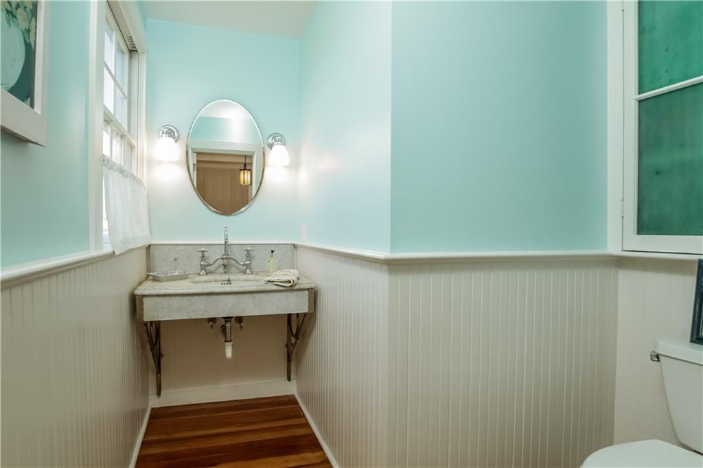 Additional photo for property listing at 25 ATLANTIC AV, Westerly, Rhode Island  Westerly, Rhode Island,02891 Verenigde Staten