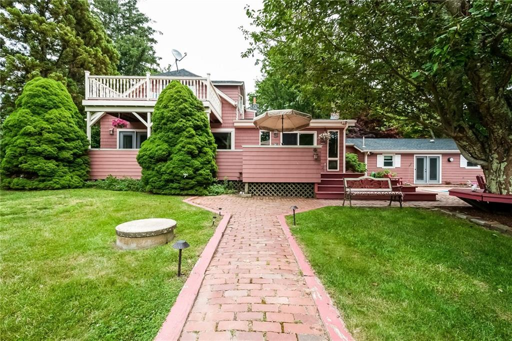 298 Beavertail Road, Jamestown