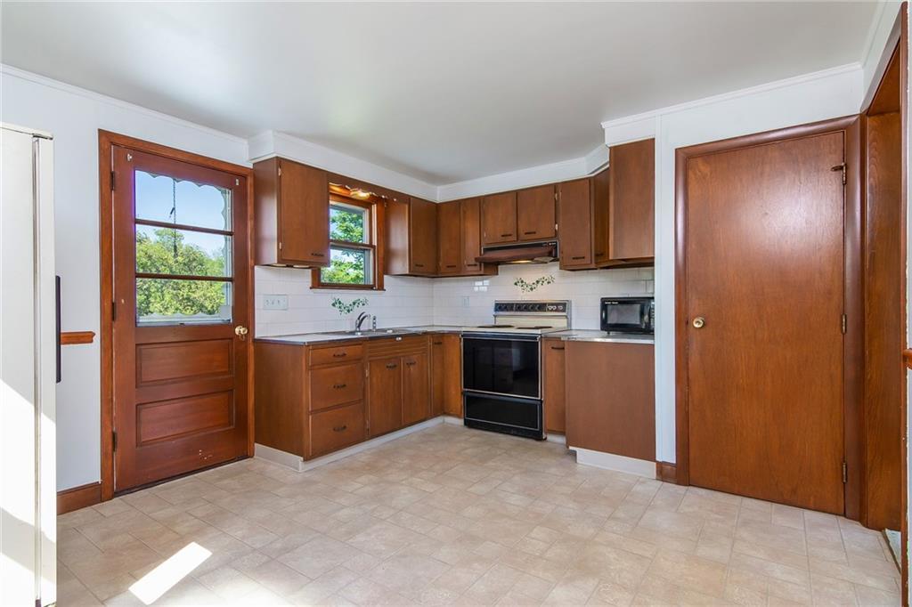 89 Saltaire Avenue, Narragansett
