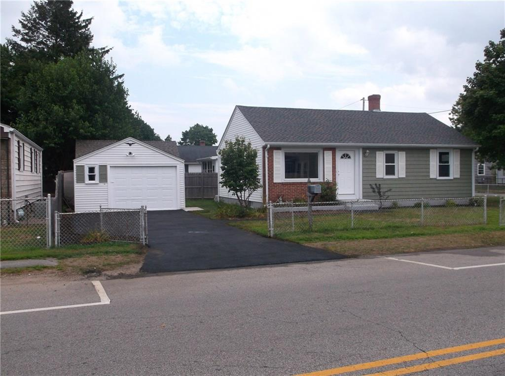 855 Cottage Street, Pawtucket