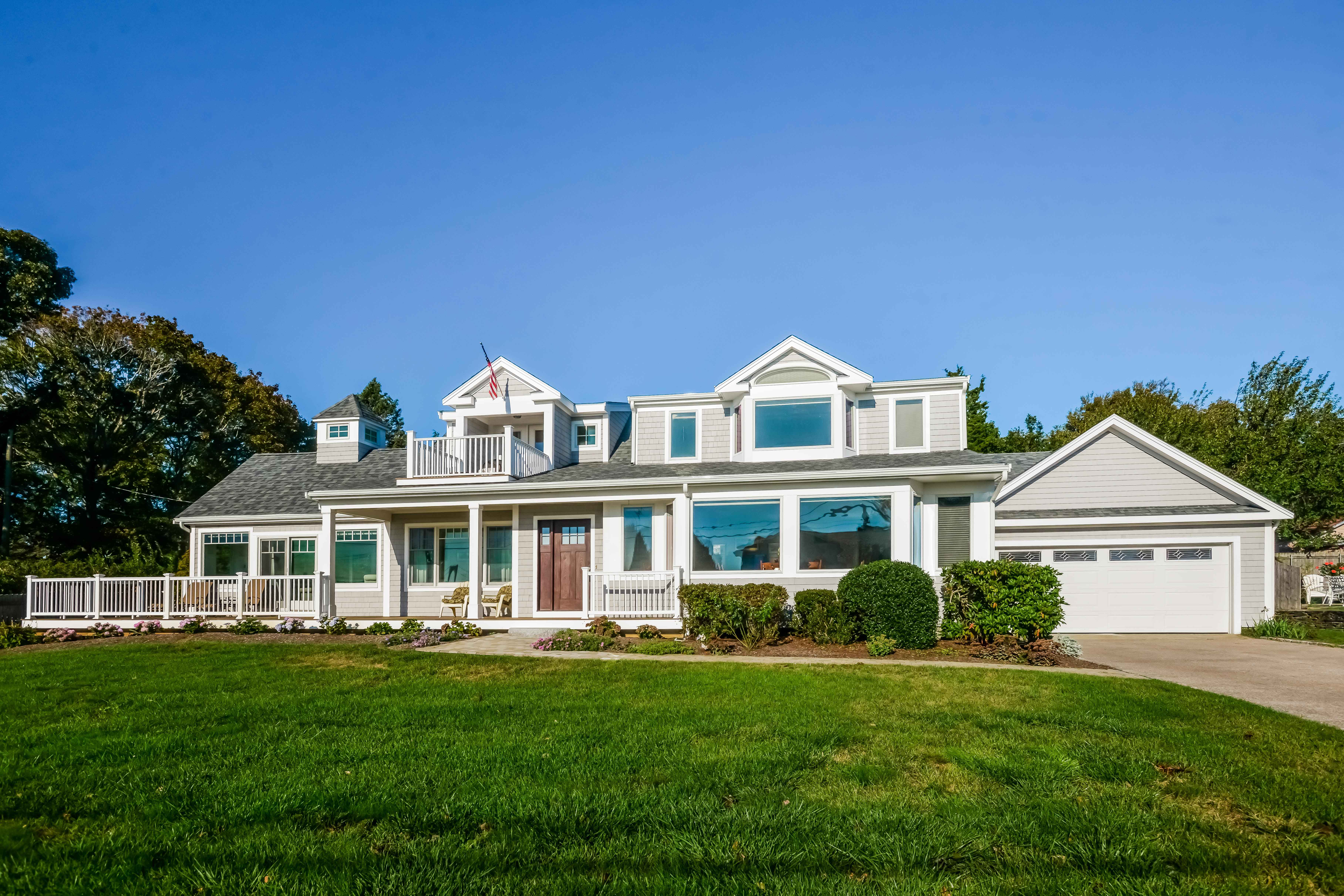 SEAVIEW PARK HOME SELLS FOR ABOVE ASK WITH LILA DELMAN ASSOCIATES REPRESENTING BOTH SIDES OF THE TRANSACTION
