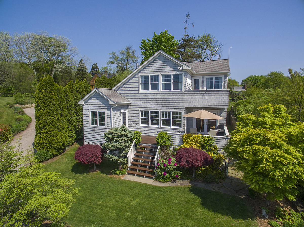 LILA DELMAN CONTINUES TO LEAD JAMESTOWN MARKET WITH WATER VIEW SALE OF 283 HIGHLAND DRIVE FOR $1.050M