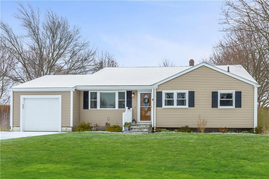 6 Namquid Drive, Middletown