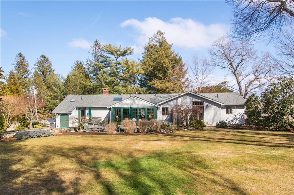 101 Sunset Avenue, North Kingstown