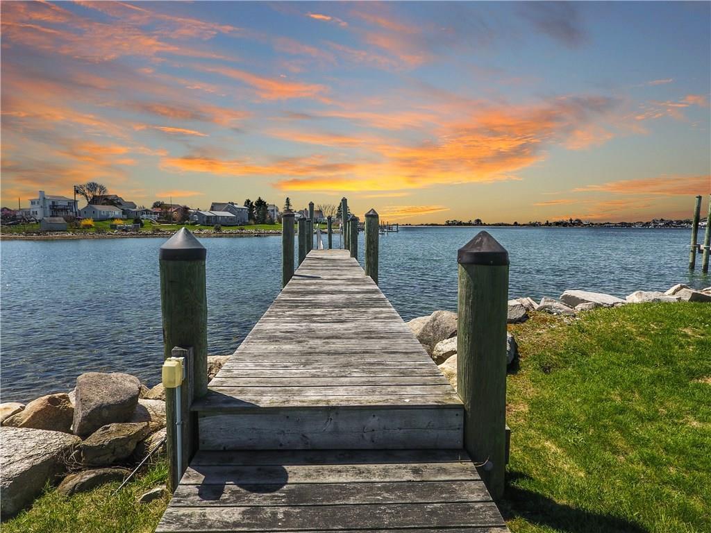 29 Mollusk Drive, Narragansett