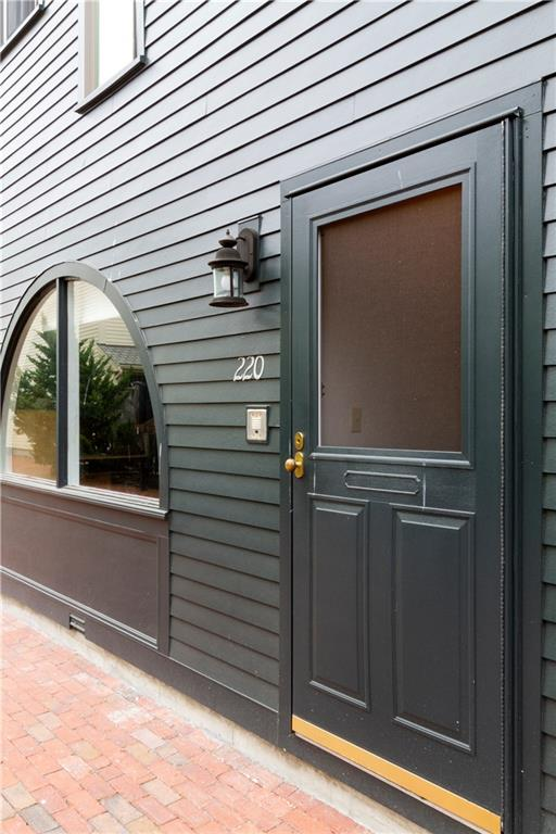 220 Goddard Row, Newport