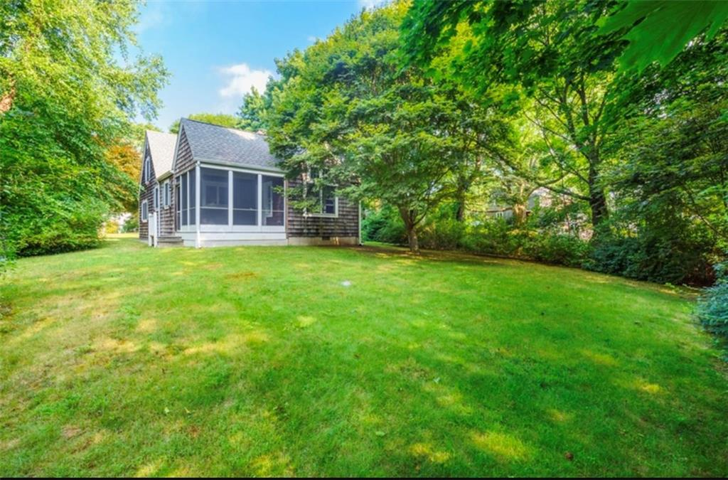 56 Hillcrest Road, South Kingstown