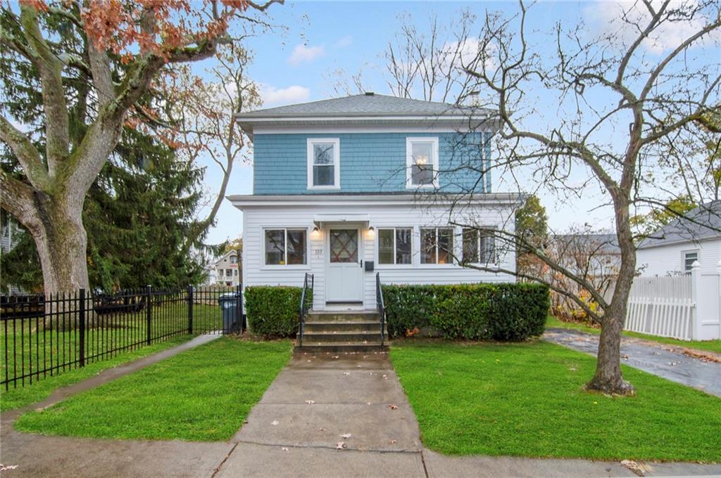 109 Pinehurst Avenue, Providence