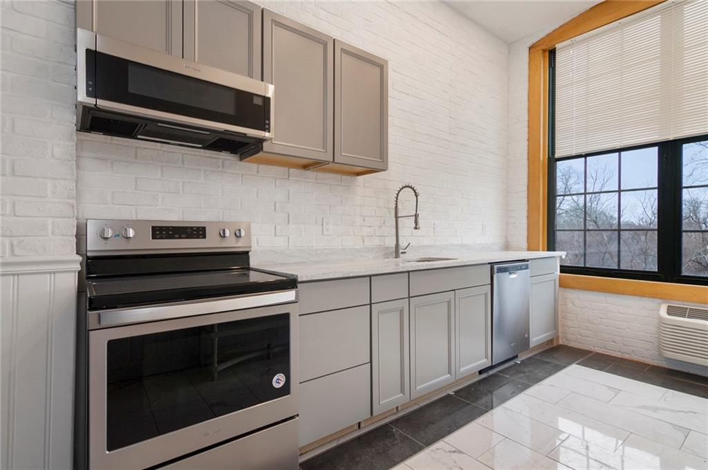 1117 Douglas Avenue, Unit#unit 5, Suite 5, North Providence