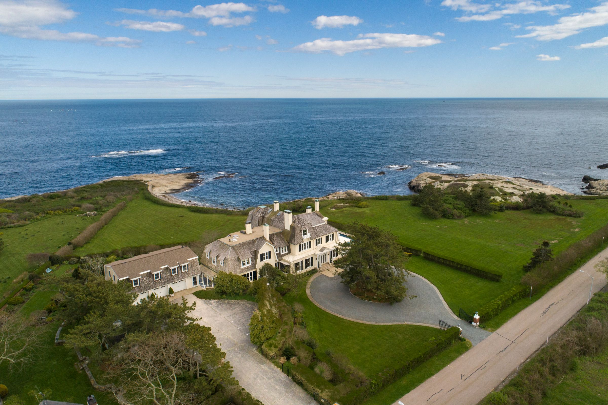 """Toppa of Lila Delman Real Estate sells 5.6 acre """"Lands End"""" in Newport for $8.6 million"""