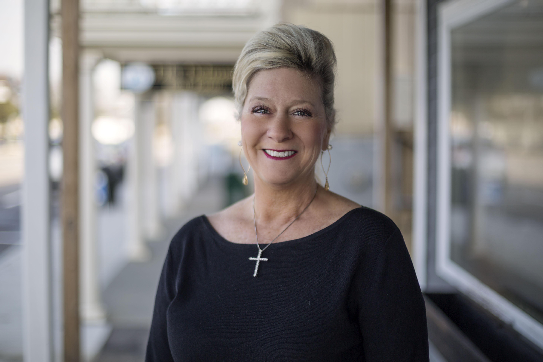 LILA DELMAN REAL ESTATE'S LORI JOYAL RANKS AS RHODE ISLAND'S TOP PRODUCING INDIVIDUAL AGENT FOR 2019 AND WASHINGTON COUNTY'S HISTORIC TOP PRODUCER