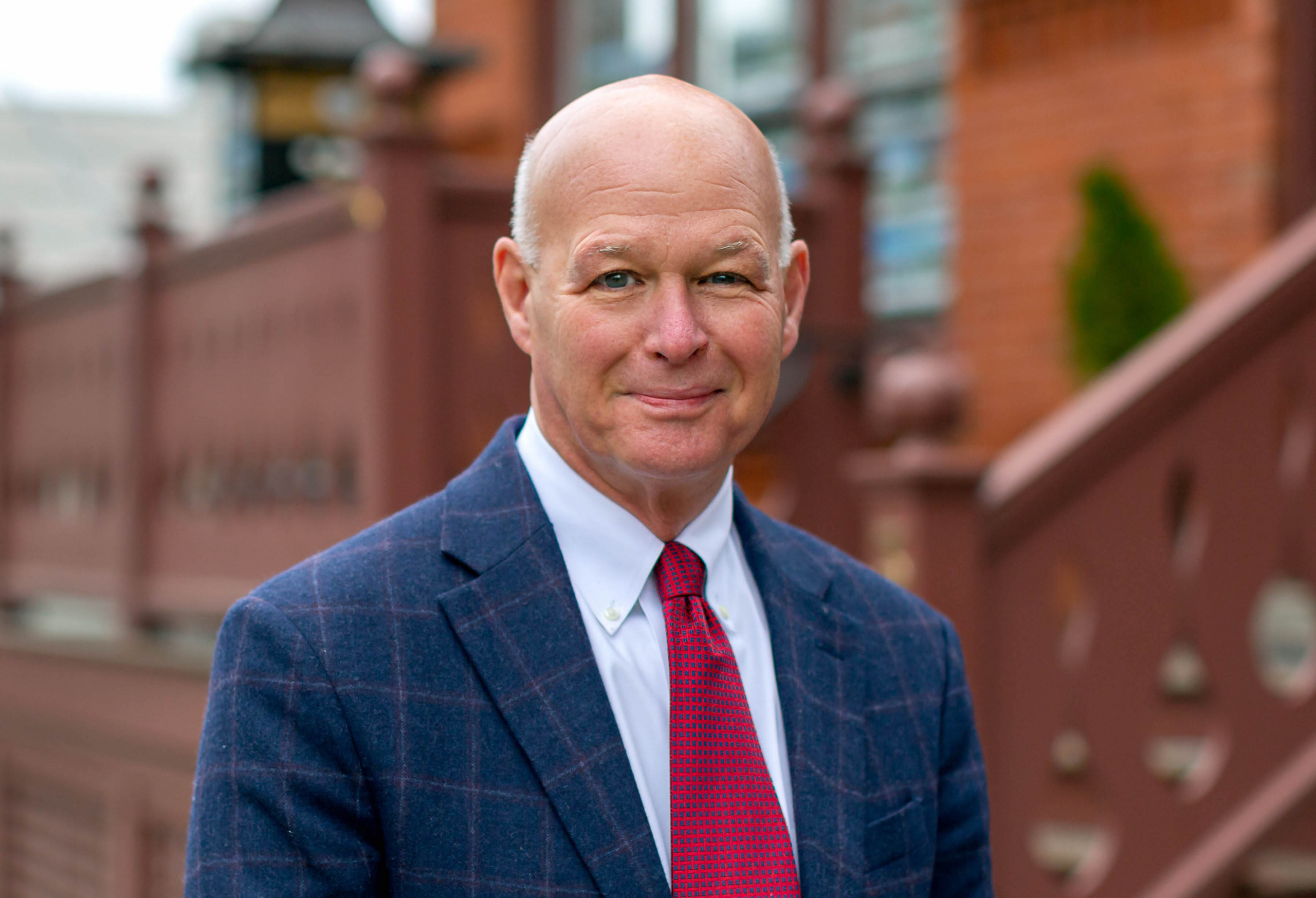 STEPHEN LAKE, ACCOMPLISHED INDUSTRY VETERAN, AFFILIATES WITH LILA DELMAN REAL ESTATE