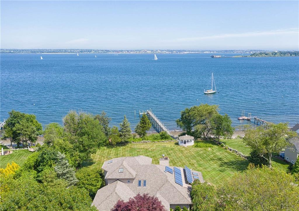 5 Aquidneck Court, Jamestown