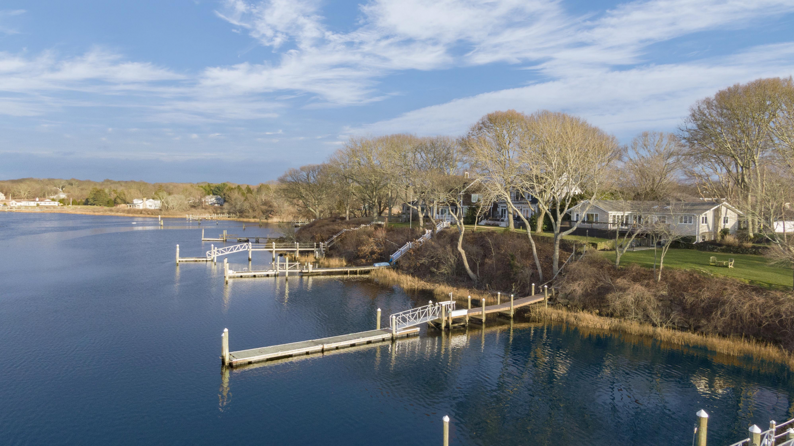 NARRAGANSETT WATERFRONT RANCH WITH DOCK SELLS FOR RECORD-BREAKING $1,425,000, MARKING THE 2ND HIGHEST SALE ON HARBOUR ISLAND EVER*