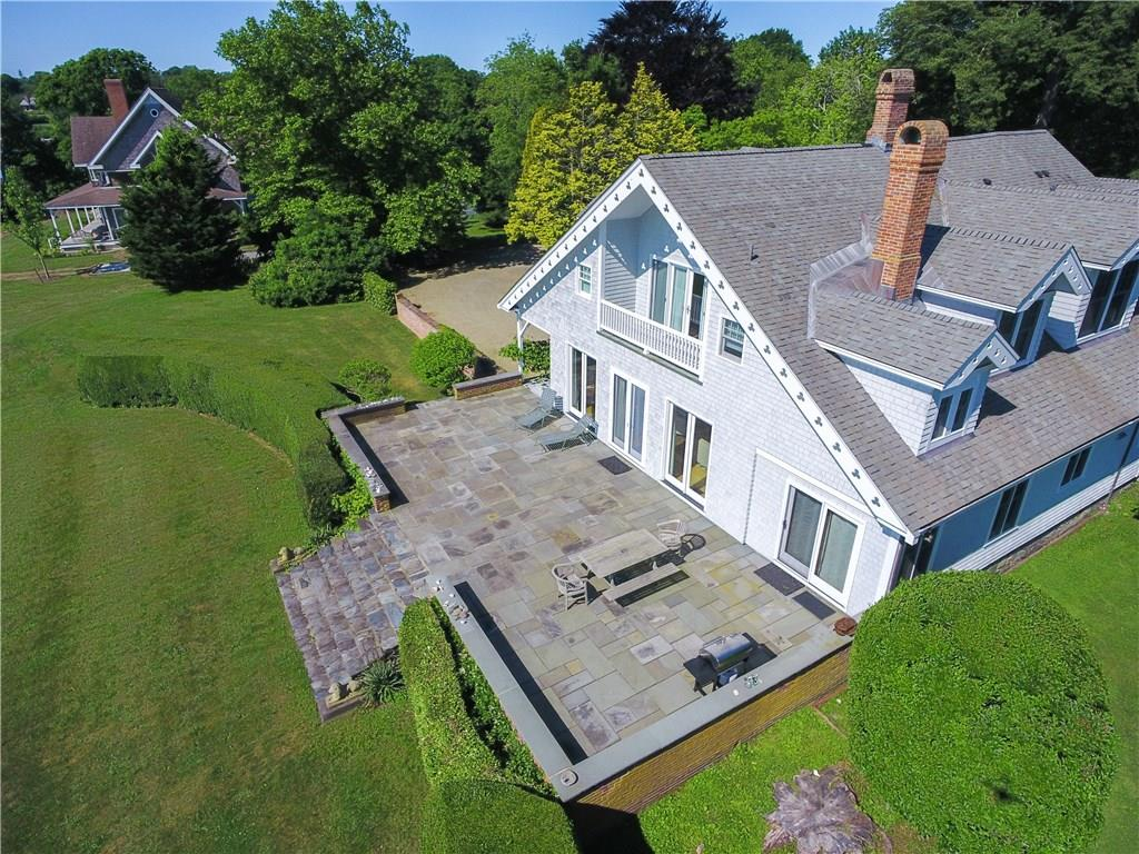 561 Indian Avenue, Middletown