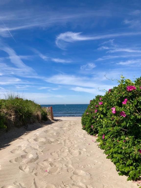 98 Sand Hill Cove Road, Narragansett
