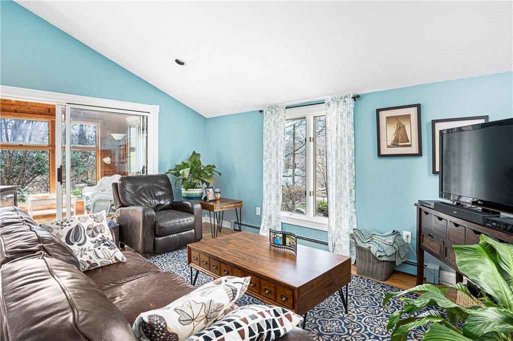 400 Gondola Avenue, Jamestown