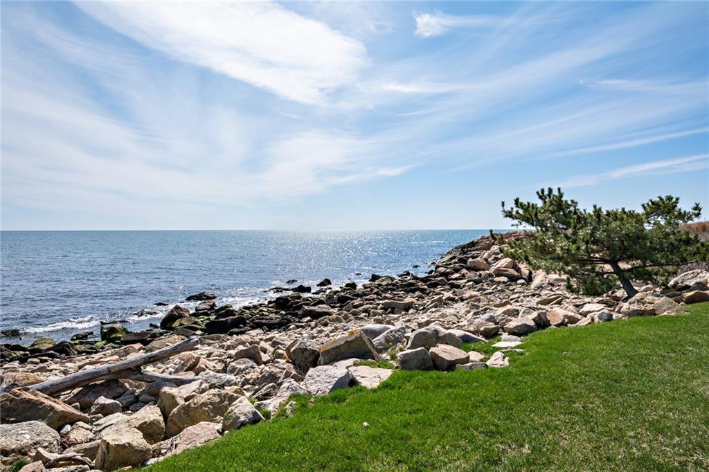 518 Ocean Road, Narragansett
