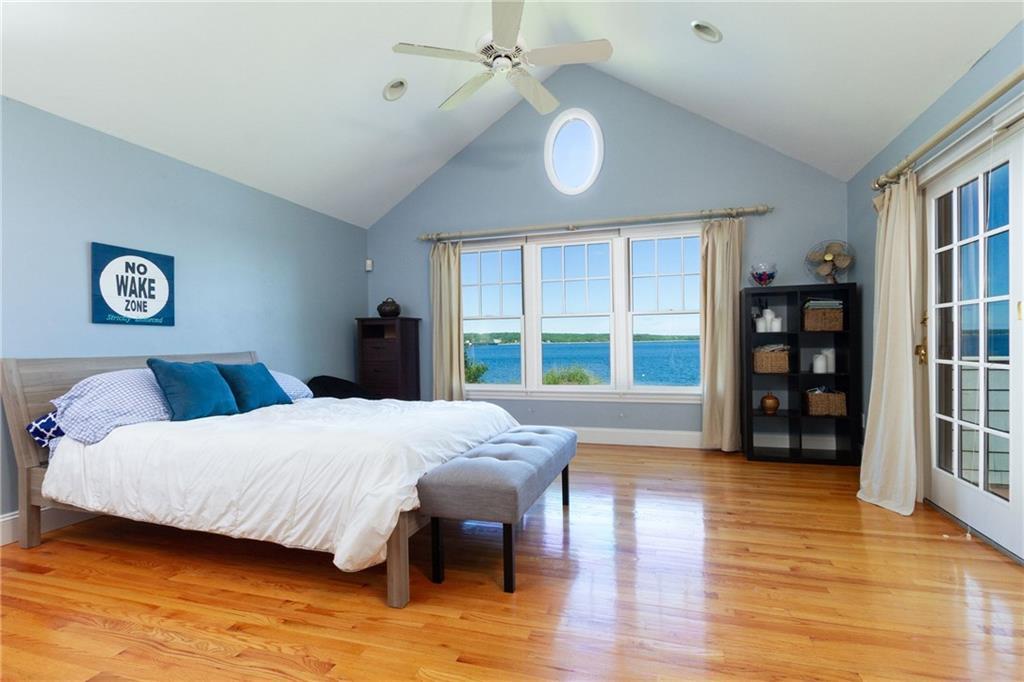 205 Seaside Drive, Jamestown