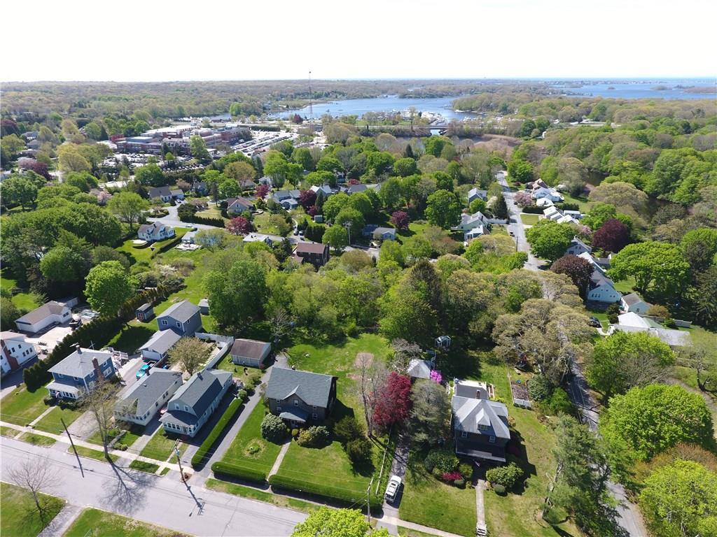 170 Silver Lake Avenue, South Kingstown