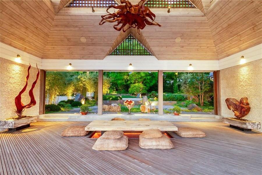 On the Market: An Indoor-Outdoor Living Resort in Rhode Island