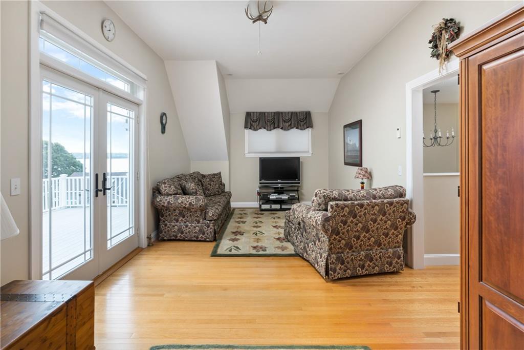 0836 Narragansett Avenue, Portsmouth