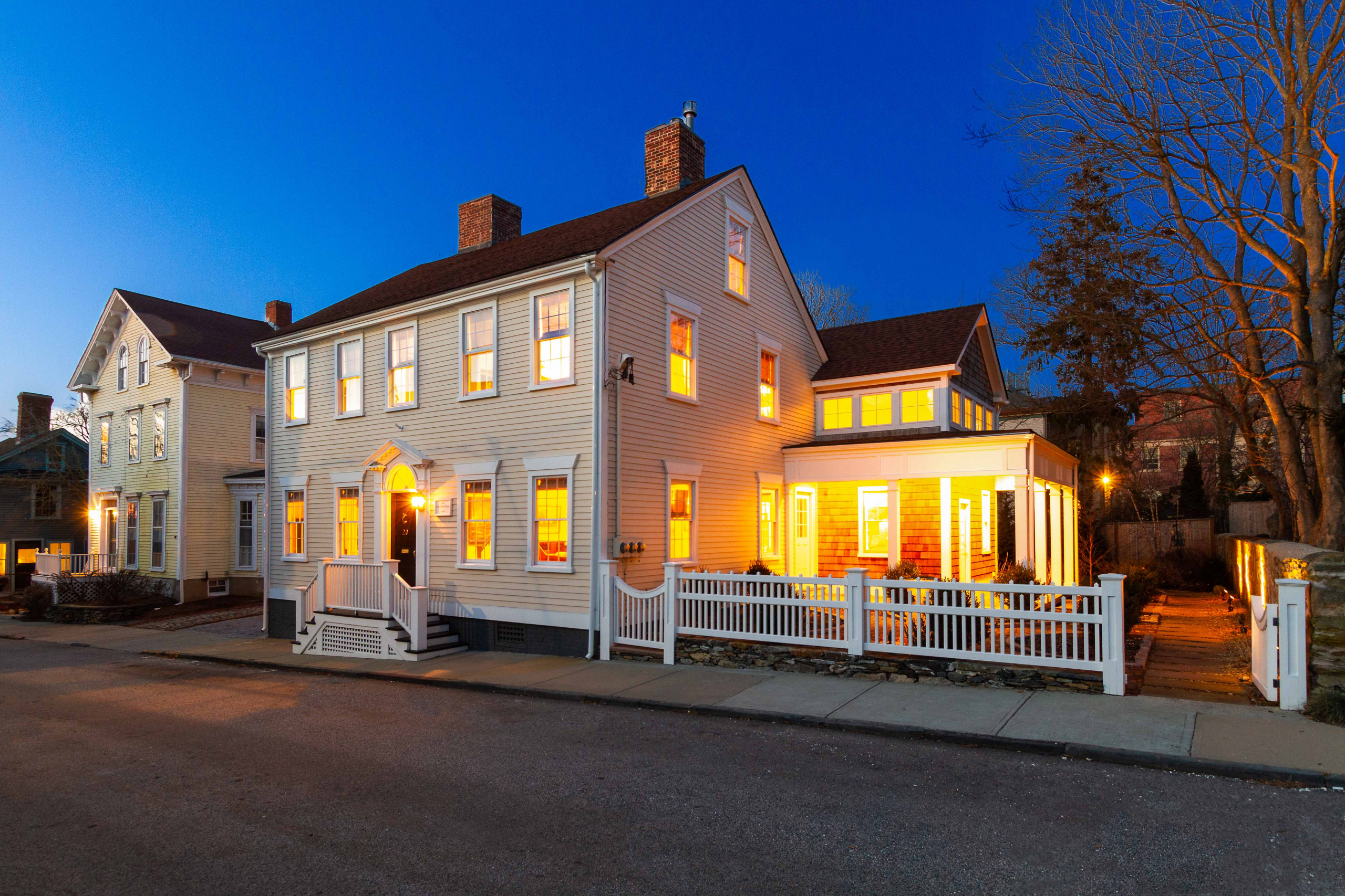 LILA DELMAN'S NEWPORT LIVING GROUP SELLS HISTORIC HILL HOME FOR $1,625,000