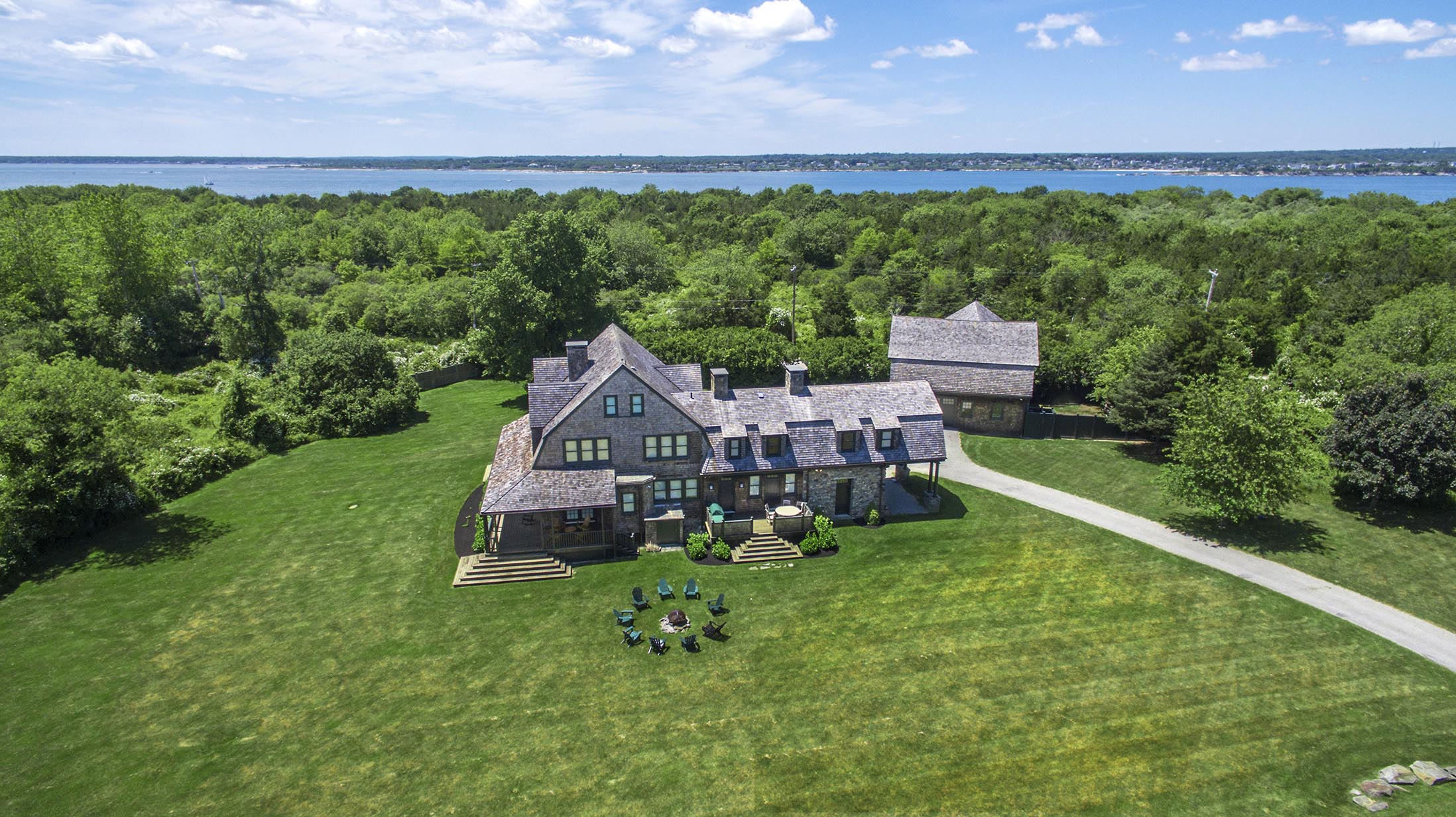 HISTORIC BEAVERTAIL FARMHOUSE ON 2.5 ACRES SELLS FOR $2,500,000, WITH LILA DELMAN REAL ESTATE ASSOCIATES REPRESENTING THE BUYER AND THE SELLER