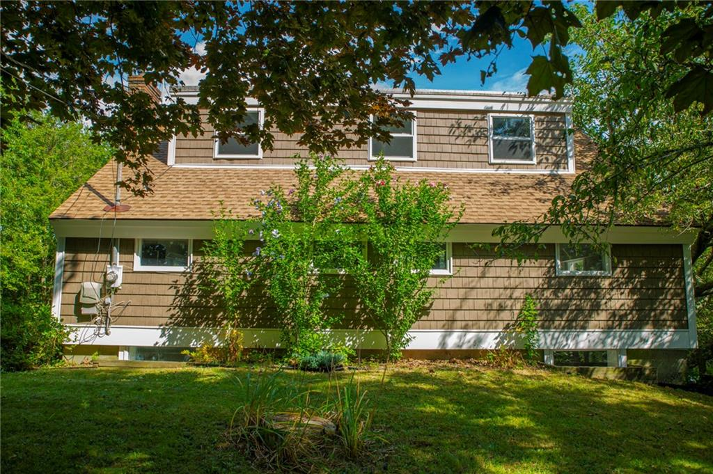 376 Shore Road, Westerly