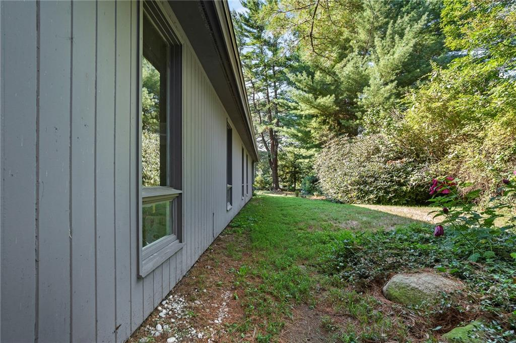 41 Old Rose Hill Road, South Kingstown