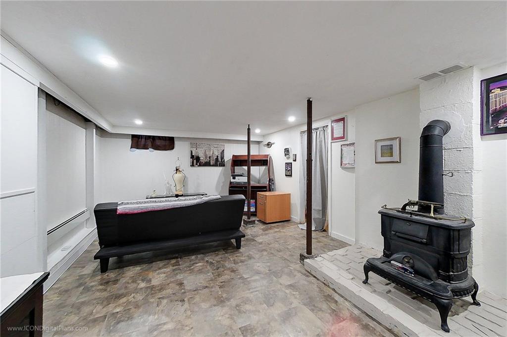 64 Pocasset Avenue, Tiverton