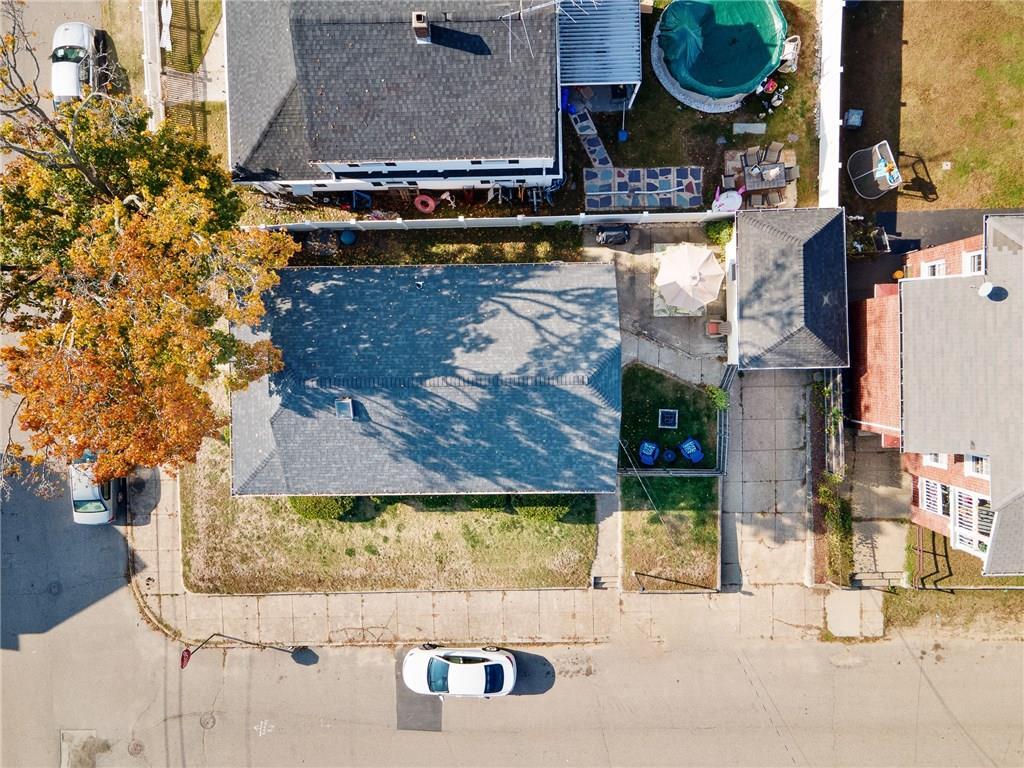 95 Oriole Avenue, Pawtucket